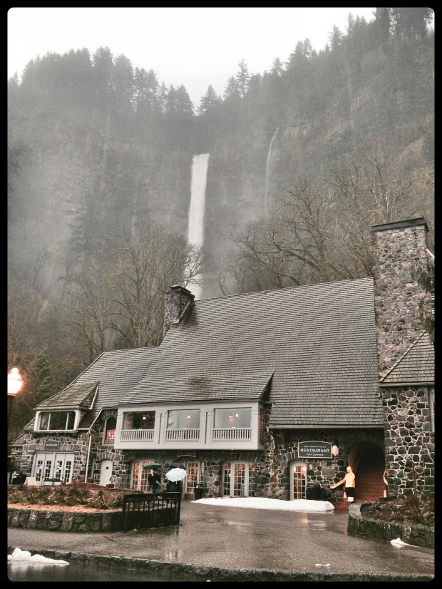 Multnomah Falls and the lodge